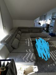 Sofa in Grau weiß mit