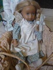 Schildkröt Puppe Bella im Tragekorb