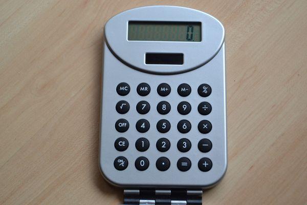 Verkaufe Taschenrechner klappbar unbenutzt neu