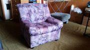 1 Sofa und 2 Sessel