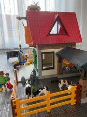 Playmobil Bauernhof mit rotem Dach