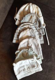 8 Baby Mützen Kappen Paket