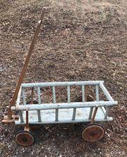 2 alte Leiterwagen zu verkaufen