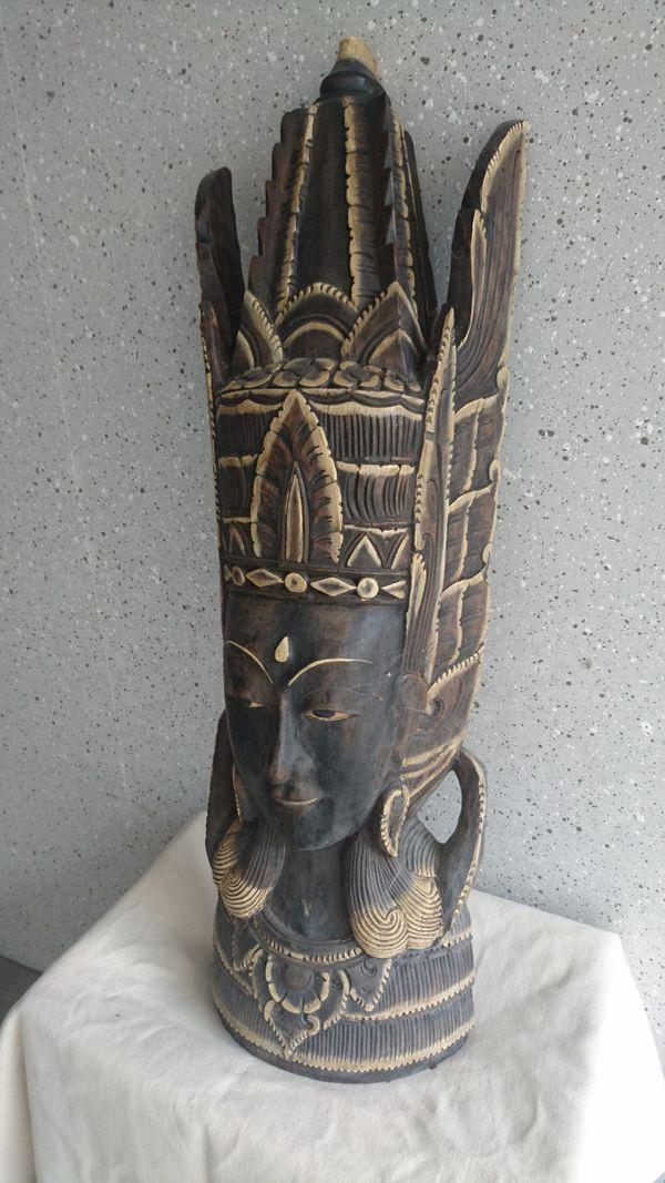 große Holzmaske