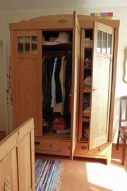 Kieferholz-Landhausstil Schlafzimmer zu verschenken