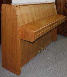 Tasteninstrumente - Klavier Steinway Sons F 104