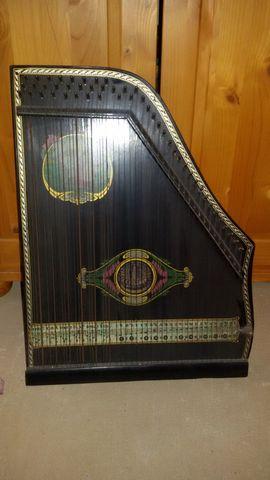 Streich- und Zupfinstrumente - Zither