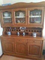 Schöner rustikaler Küchenschrank aus dkl