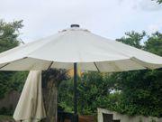 Sonnenschirm mit Beleuchtung