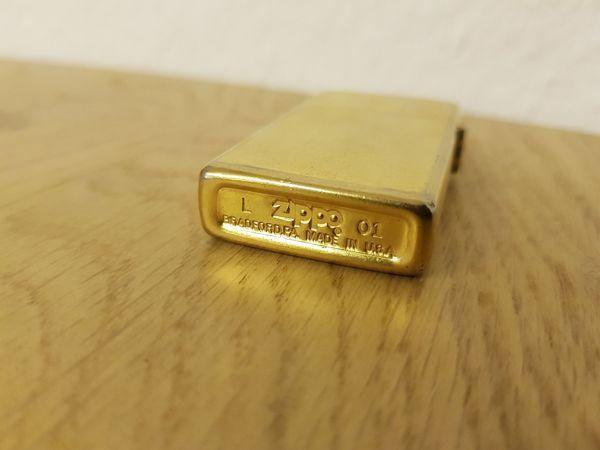 Zippo - Benzinfeuerzeug Farbe Gold