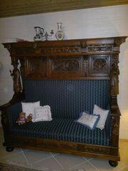 Antikes Überbau-Sofa