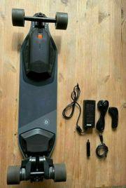 Stealth-Elektro-Skateboard mit verstärktem Board
