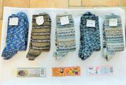 handgestrickte Socken aus Opal-Wolle