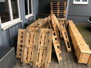 Holz Palletten und Kisten zu