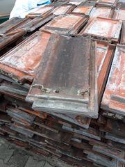 Alte Dachziegel auf Palette Gebe