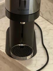 Vertuonext Nespresso Kaffeemaschine neuwertig