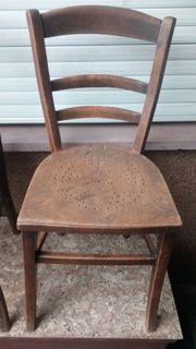 alter massiver Stuhl