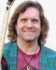 Gitarrist Sänger mit Erfahrung aus