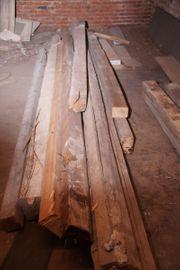 Bis zu 4m alte Holzbalken