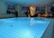 Suche private Schwimmhalle Indoorpool oder