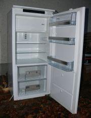 Einbaukühlschrank AEG SKZ71240F0 halb-defekt