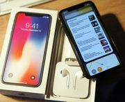 Apple iPhone X 256GB - Space