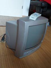 Grundig TV Fernseher Farbfernseher 36cm