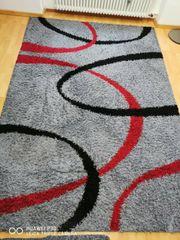 Hochflor-Teppich Shaggy grau-schwarz-rot gutem Zustand
