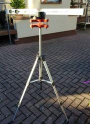Laser Wasserwaage mit Teleskop Stativ