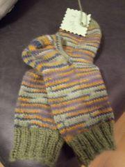 selbstgesgtrickte Socken größe 24-25