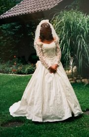 Märchenhaftes Brautkleid in 38 an