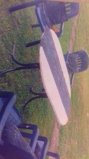 Tisch und Stühle Gartenmöbel