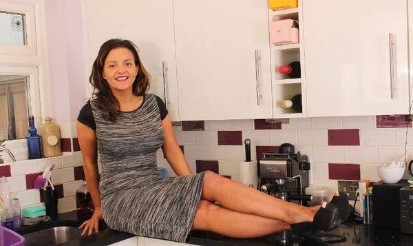 Hausfrau privat am Sextelefon Telefonsex