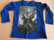 Langarmshirt Gr 128 blau Emblem