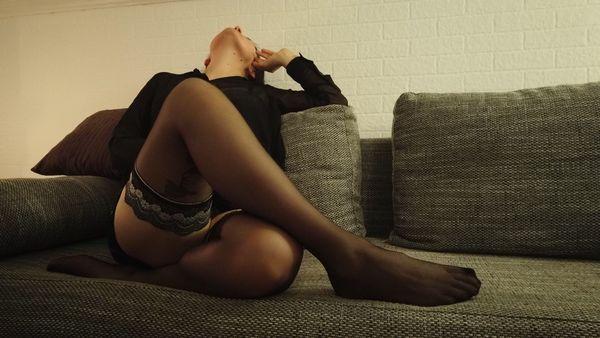 Sexy Milf bietet NS Getragene