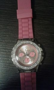 Verkaufe Eine Damen Uhr