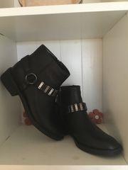 NEU Boots Stiefeletten Gr 40