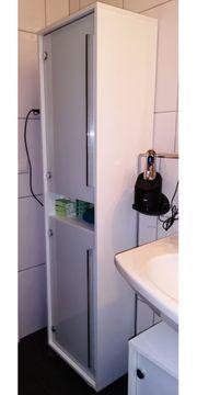 Bad Hochschrank und Waschbecken Unterschrank