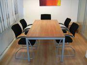 Besprechungstisch 6 Konferenzstühle 4 Holz-Klappstühle