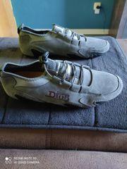 Pearlfeet Sneakers