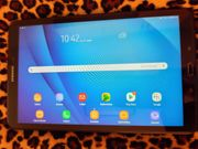 Samsung -Tablet Modell Serie SM-T585N