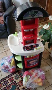 Kinderküche mit vielen Funktionen für