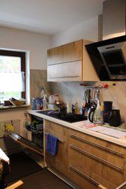 Hochwertige Küche mit Elektrogeräten hervorragender