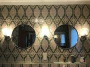 Verchromte Badausstattung Spiegel Lampen Handtuchhalter