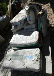 Putzmörtel Reste vom Neubau