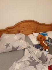 Doppelbett mit passenden Nachttischen Fichte