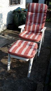 Liegestuhl und Hocker