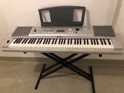 Elektronisches Keyboard von Yamaha in
