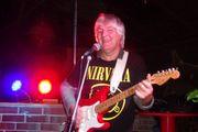 Erfahrener Gitarrist Banjo - und Mandolinenspieler