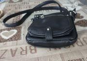 2 Damen Handtaschen